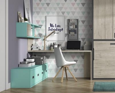 Schreibtisch mit Wandregalen und Schubladen