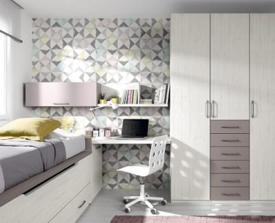 Jugendzimmer bestehend aus Bettgestell, Kleiderschrank, Schreibtisch und Regalen
