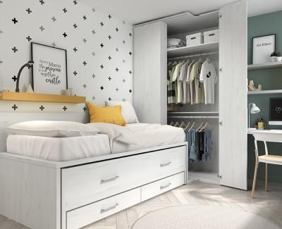 Jugendzimmer mit Ausziehbett, Eckschrank und Schreibtisch mit Regalen