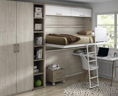 Jugendzimmer bestehend aus hohem Klappbett, Schreibtisch, Regal und Kleiderschrank