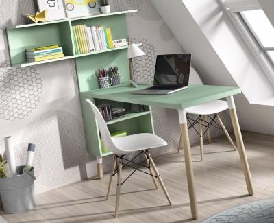 Jugendzimmer bestehend aus Bettgestell, Kleiderschrank und Schreibtisch